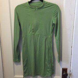 Athleta green ruched long sleeve swim cover dress